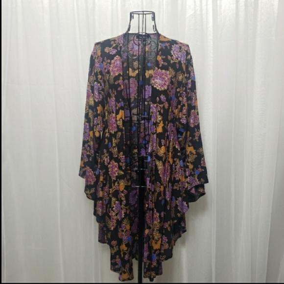 torrid Other - Torrid Sz 00/0 Vintage Floral Print Flowy Kimono
